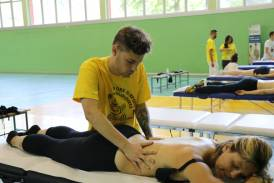 """Galleria Il team di massaggiatori sportivi Synapsy alla """"10 ore di sport e solidarietà"""" di S. Pellegrino Terme"""