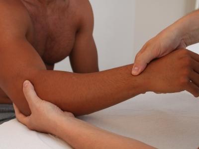"""Tecniche di massaggio fasciale e pompages, per una migliore mobilità ed elasticità: """"Approccio Fasciale Integrato: cingolo scapolare e arto superiore"""""""