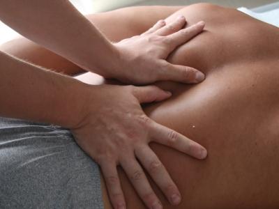 """""""Approccio Fasciale Integrato: colonna e cingolo pelvico"""": come migliorare la mobilità segmentaria e l'elasticità tissutale"""